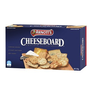 Crackers Cheese Board 100032